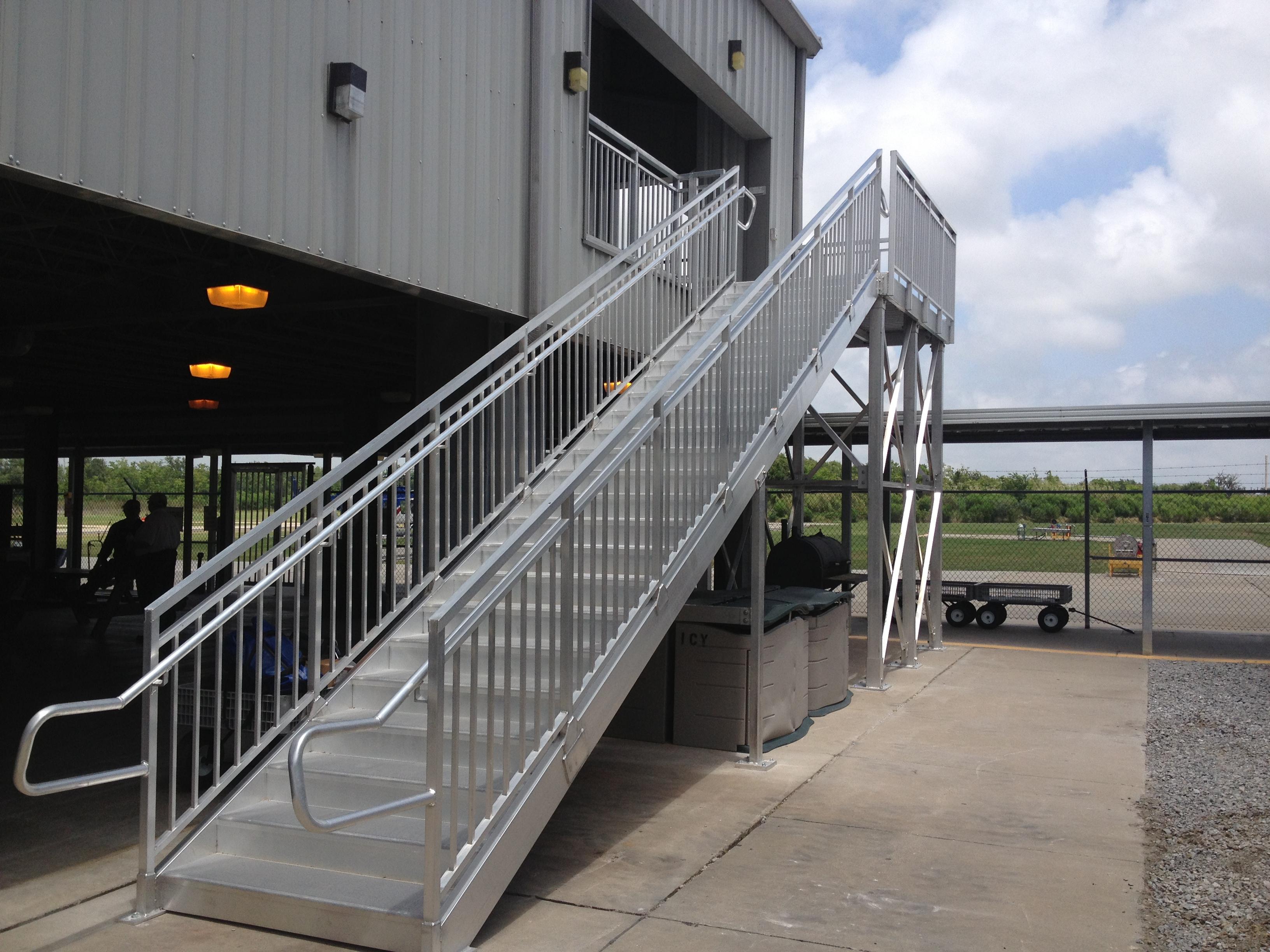 universal aluminum stairs