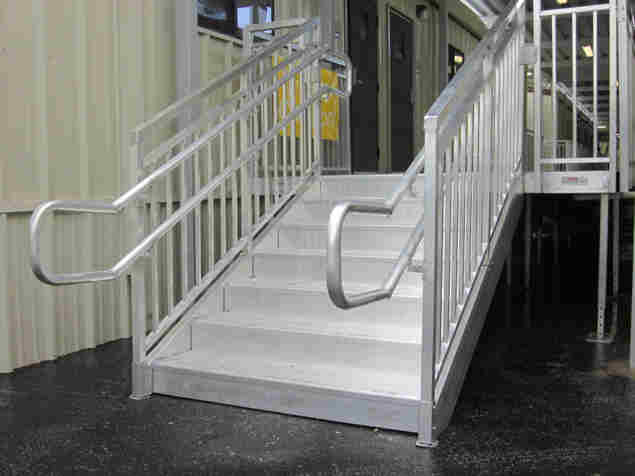 Aluminum Steps With Handrails
